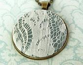 Lace Wedding Necklace / Lace Wedding Pendant / Wedding Lace Necklace / Boho Necklace / Boho Wedding Jewelry