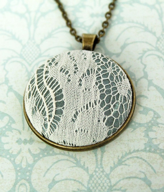Lace Wedding Necklace / Lace Wedding Pendant / Wedding Lace Necklace / Boho Necklace / Boho Wedding Jewelry