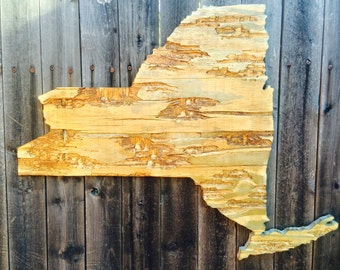 New york distressed wood wall hanging