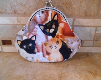Fabric Coin Purse with Kitty Print & Kiss Clasp