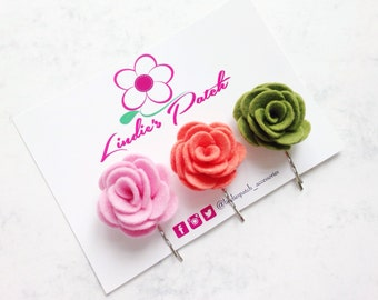 Flower bobby pins | set of 3 coral, felt flower hair clips by Lindie's Patch Accessories