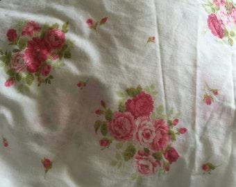 Thomaston  white sheet roses fitted double sheet
