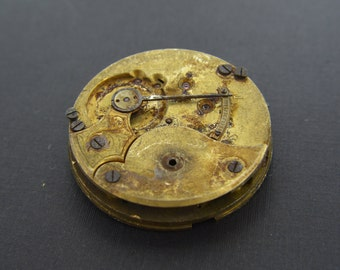 Vintage Pocket Watch Movement - Size 16 - Gold Tone Brass - Parts - Repair - Steampunk Jewelry Making Supplies