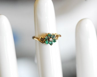 Vintage Ring with Emeralds and Diamonds 6J