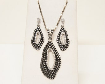 Silver/Black Necklace Set