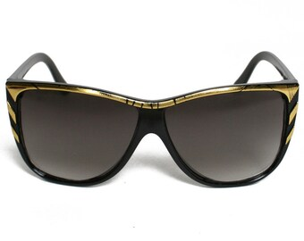 Vintage Clubmaster Style Wayfarer Black and Gold Cat Eye Frame Rim Sunglasses, Sunnies Eyewear Retro Lens 1980s Sunglasses