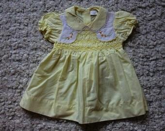Vintage smocked dress/ vintage dress / vintage baby dress / baby clothes / vintage baby clothes