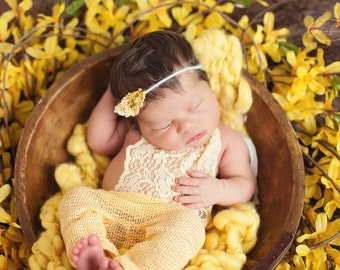 Ella Romper Set, Newborn Yellow Romper. Newborn Photo Props, Newborn Lace Romper, Baby Photography Prop, UK Seller