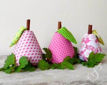 Sew Sweet: A Pear Pincushion Pattern
