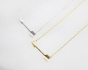Gold / Silver Arrow Necklace Bridesmaid Gift Dainty and Delicate Everyday Necklace Birthday Gift Simple and Modern Necklace