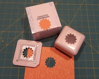 Creative Memories Blossom Place n Punch *NEW in box*