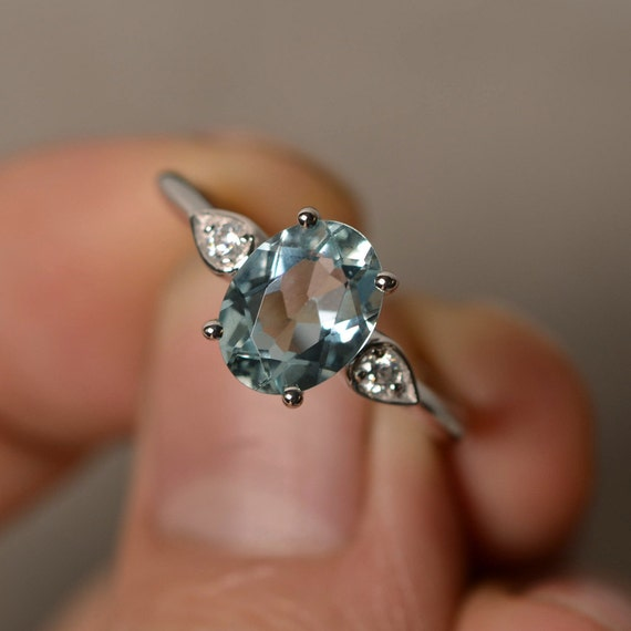 natural aquamarine ring silver oval aquamarine ring engagement. Black Bedroom Furniture Sets. Home Design Ideas