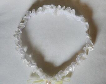 Bridal garter, atlas garter, wedding garter, ivory white garter, garter with river pearl, custom size garter, garter with a bow, garter