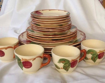 "Vintage Franciscan ""Apple"" 20 Piece Dinnerware Set - Made in USA - 1941 to 1970"