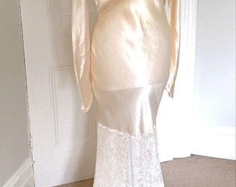 Vintage 1930s Art Deco Glamorous Satin and Lace Wedding Dress UK 8