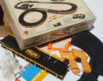Aurora Vintage Slot Car Set in Original Box / AFX Racing / Pitrow Speedway / Great fun from the 1970's! / NEW PRICE
