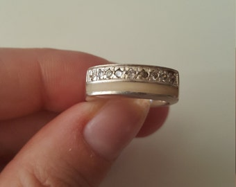 925 Sterling silver thick band ring with Crystals, size 6