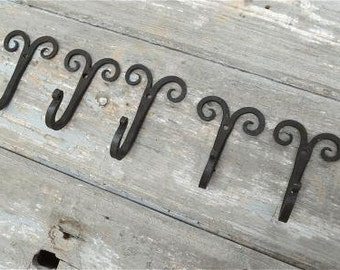 Set of 5 handmade Gothic curled top wrought iron coat hooks hand beaten blacksmith coat hook hanger GC1
