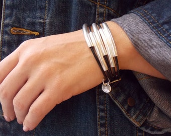 Magnetic Clasp Leather Bracelet - 5 Strand - Magnetic Bracelet - Silver Tubes - Uno de 50 Style