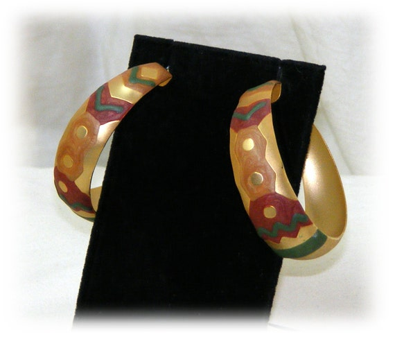 BEAUTIFUL HOOP EARRINGS . . Hand Painted Indian Style . . Never Worn