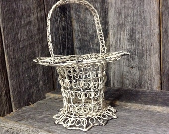 445 - Basket - Metal - Chippy Paint - Wedding - Flower Girl Basket -Country - Rustic - Home Decor- Shabby Chic -White - Distressed