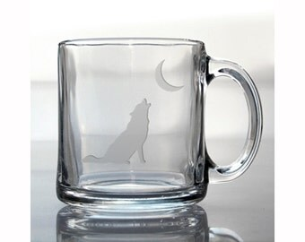 Wolf Coffee Mug / Free Personalization / Etched 13oz Coffee Mug / Wolf Howling at the Moon Tea Cup / Personalized Coffee Mug