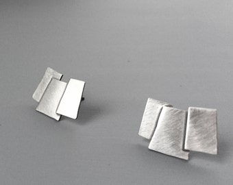 Silver Layers earring, size small
