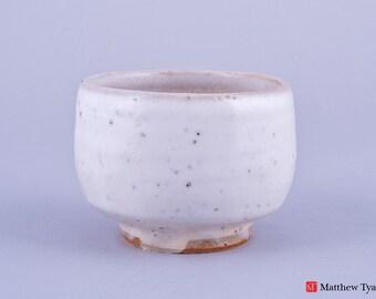 Chawan Tea Bowl with Snow Glaze Decoration - Stoneware Pottery