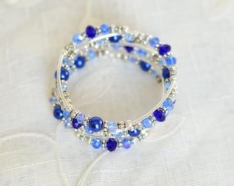 Memory wire bracelet - Birthday Gift for her - Womens gift - Multistrand bracelet - Pearl & crystal bracelet - Blue Beaded slinky bracelet