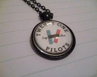 Twenty One Pilots necklace (black logo)