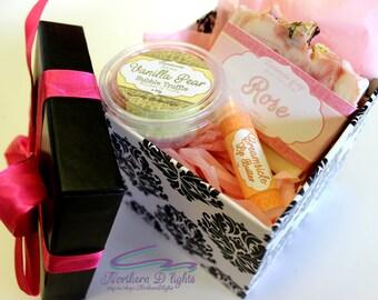 Bath and Body Gift Box - Bridesmaid Gift Box - Gift under 20 - Gift for Her - Spa Gift Set - Birthday Gift Basket - Handmade Gift Box