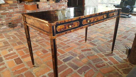 Maitland Smith Desk Tessellated Pen Shell And Brass Inlay Desk