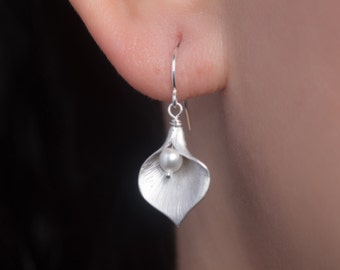 ON SALE ! Calla Lily Earrings, Swarovski White Pearl, Dainty Sterling silver earrings, bridesmaid gifts, flower girl, birthday gift