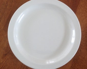 "Two (2) Buffalo China Conservo 7-1/8"" Dessert Bread Salad Side Plates - Off White Restaurant Ware"