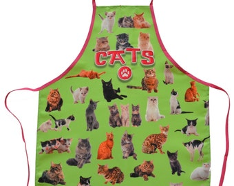 Cats green apron: cook in the kitchen with the BBq so many cats funny apron
