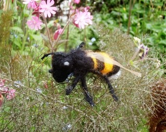 Needle felt bumble bee