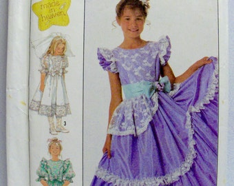 SIMPLICITY 8520, UNCUT, Girls' Dresses. Size 10.