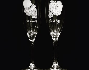 Champagne flutes, Personalized Wedding, Toast, wedding toasting glasses, Sugar skull, Day of the dead, Dia de los muertos, Skull wedding