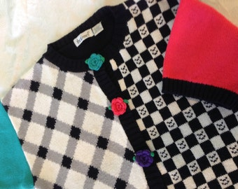Whimsy Size L Black White Check Pink Floral Short sleeve Sweater - Perfect