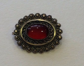 Vintage Sterling silver filigree oval red cabochon stone pin brooch pendant Israel
