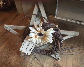 Primitive wood star