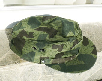 SALE ! Vintage Army Camouflage Trapper Hat, Trooper Hat, Bulgarian Military hat, Climbing hat, Hunting hat,  Camouflage hat