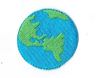 Planet Earth Iron on Applique 694726A