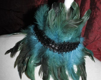 Collar [earrach] - feather collar in turquoise