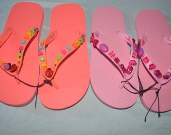 Two Pairs Of Girls Flip Flops Size 2-3