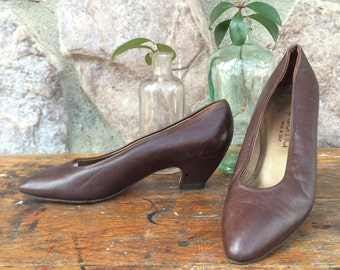 Vintage 90s Paloma Brown Leather High Heel Pumps / Made in Italy / Women's Size 7 AA