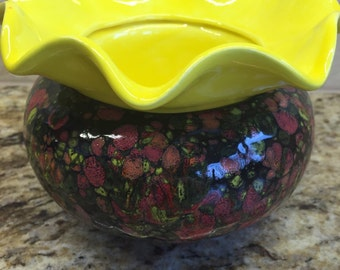 Chip dip bowl/put ice in bowl to keep dip cooled