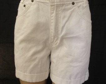 Vintage 1990's CHIC High Waist Jean White Denim Shorts sz 7