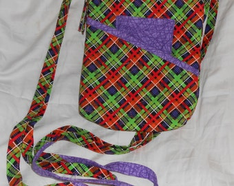 Quilted, cross body paid zippered handbag