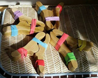 Play clips, clips for playstands, wooden clips